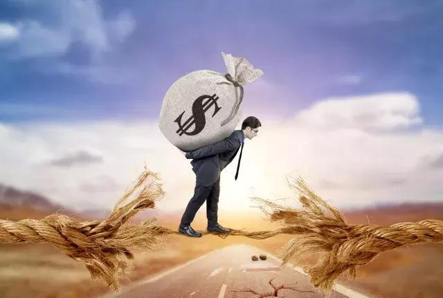 手里有10万,怎样投资才可以一天有100的收入?